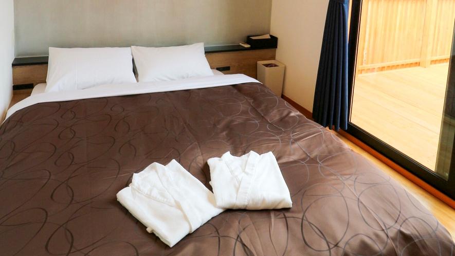 【寝室棟】セミダブルサイズのベッドでごゆっくりお寛ぎ頂けます!