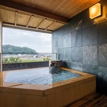 「露天風呂付客室 富士山ビュー」の露天風呂