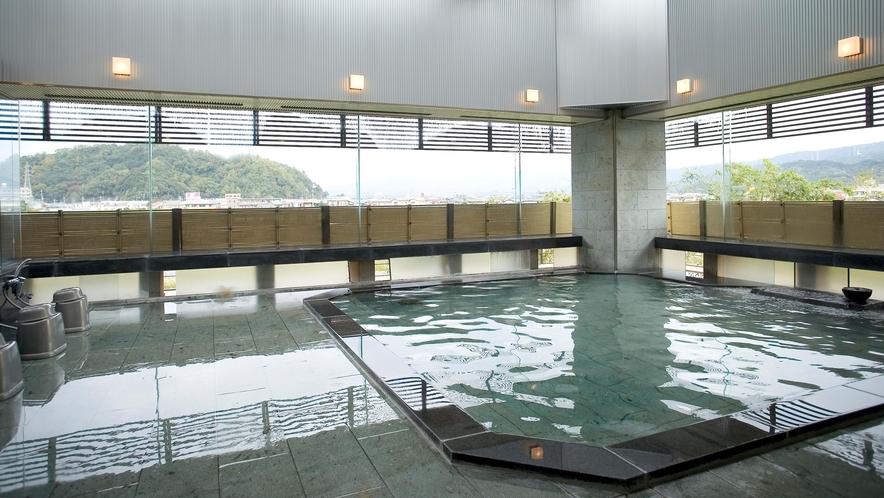 男性用大浴場「連峰」