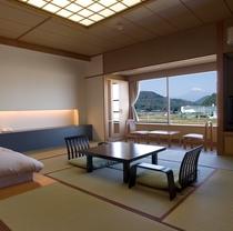 落ち着いた雰囲気の「富士を眺めるスタンダード和室」