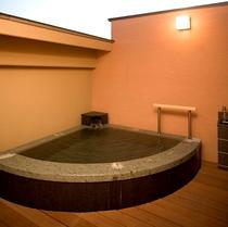 貸切露天風呂【彩月の湯】
