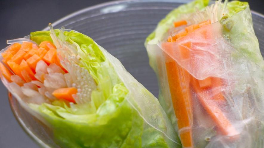 【夕食一例】季節野菜の生春巻き