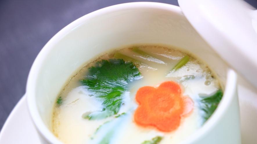 【夕食一例】茶碗蒸し。優しい味です