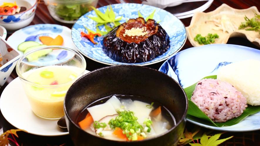 つばき定食☆すいとんは夏は冷・冬は温で楽しめます!