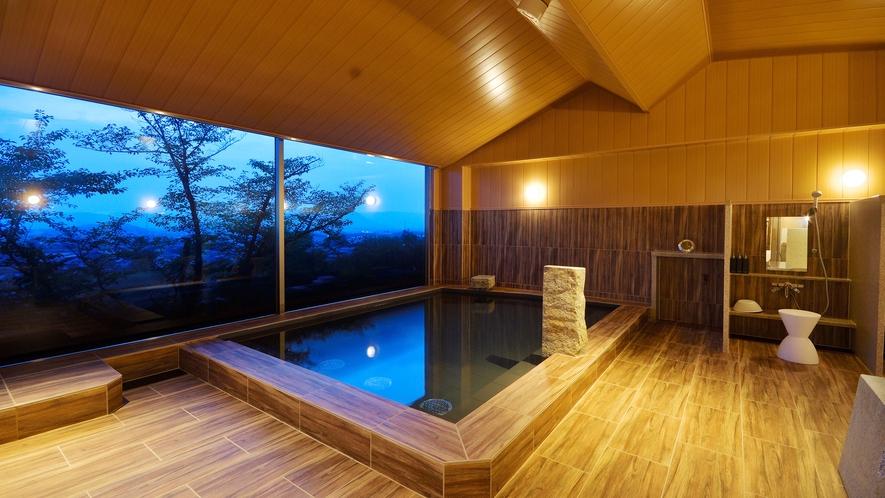 夜の大浴場「THE CALM」