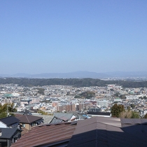 *【2階客室からの眺め】夜には京都・奈良のキレイな夜景が眺められます