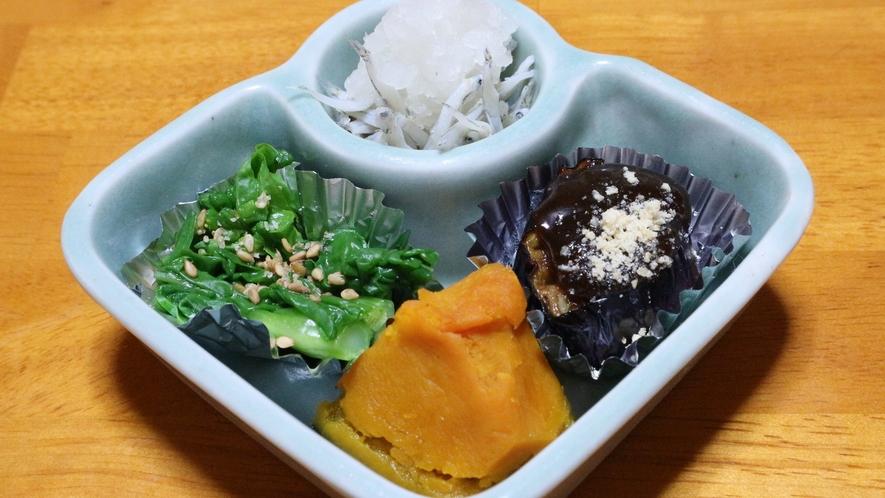 *【朝食一例】小鉢!起きたばかりの身体に優しい和食膳