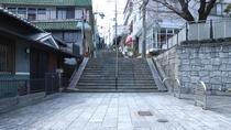 *当館までは「宝山寺駅」から参道を歩いて徒歩2分です