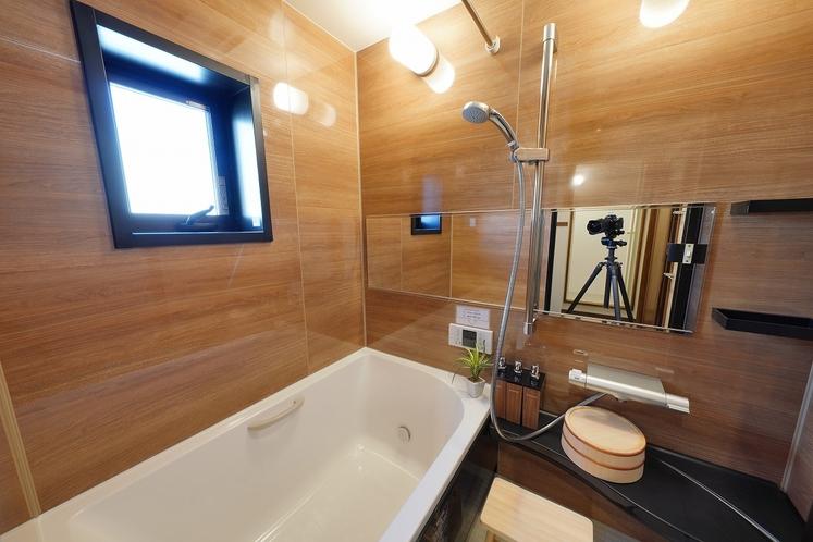バスルーム 全室、浴槽付バスルームです