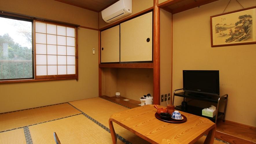 ■【客室一例・8畳】お部屋は当館おまかせです。落ち着いた雰囲気で広々とご利用いただけます♪