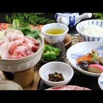 ■【ご夕食一例】新鮮で良質な魚介・野菜・肉にこだわり豊富な品数のお料理。