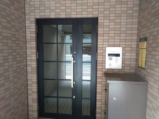 マンション1階入口はオートロック