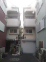 建物は4階建て、2階が二人部屋が並ぶ