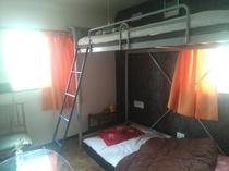 お部屋は完全個室鍵付き