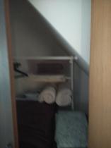203号室、クローゼットに毛布タオルなど