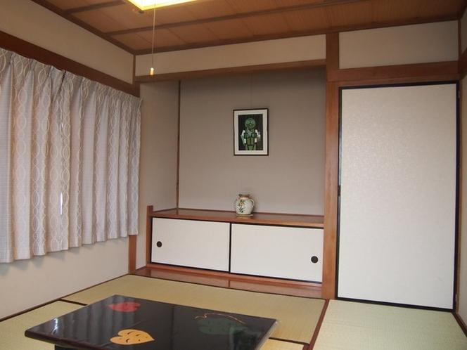 宿泊室(2階南和室)