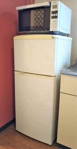 冷蔵庫、電子レンジです