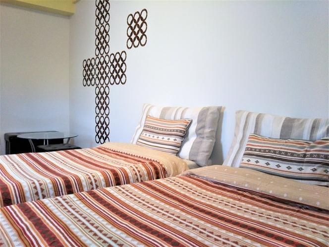 シングルベッド2台です