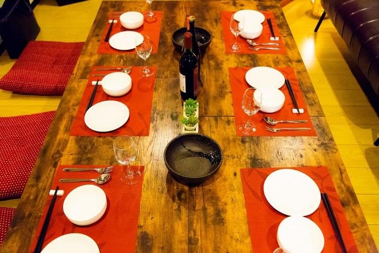 ファミリー・パーティーも可能な充実の食器類