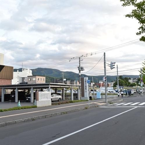 小樽市立病院の横の交差点を左折