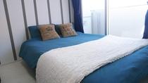 ダブルベッド Double bed