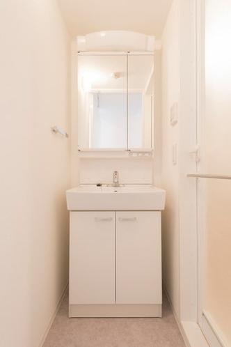 メイクもしやすい洗面台 A washroom