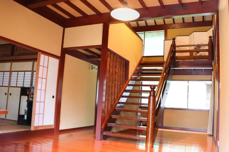 宿泊棟階段