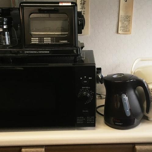 レンジ、ポット、炊飯器(中)、コーヒーメーカー