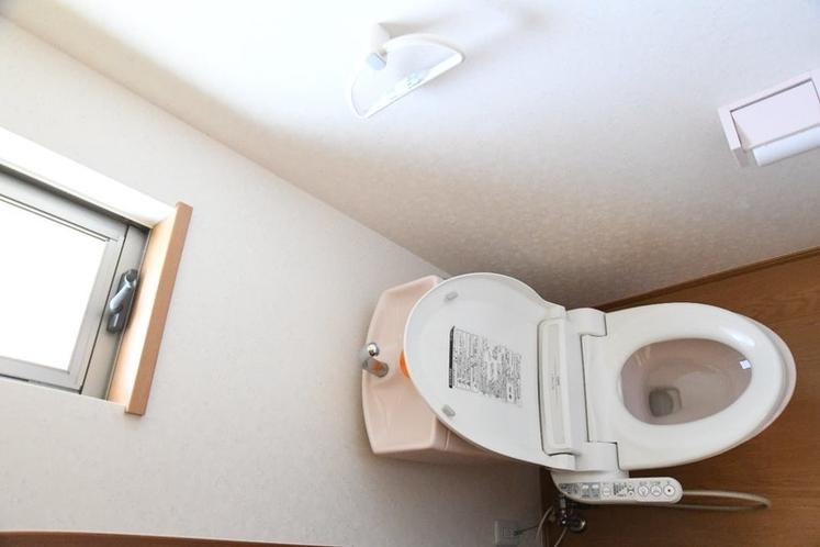 掃除の行き届いたピカピカトイレ