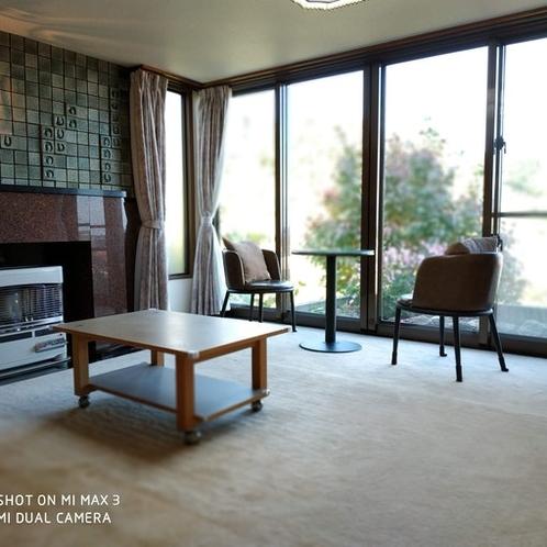 Living room (share)