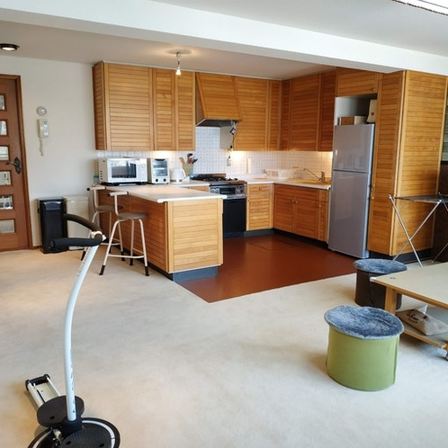 kitchen and Living(Share)
