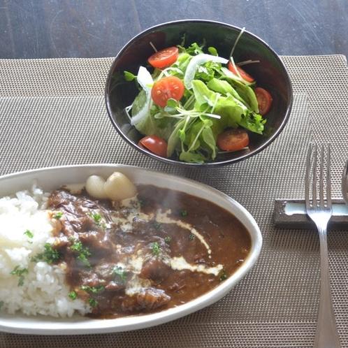 牛すじカレー(カフェさくら亭)