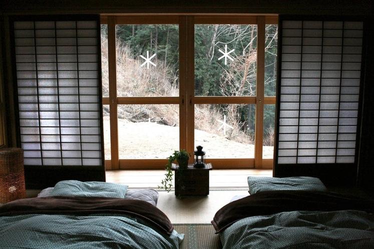 窓の外は自然いっぱいです。