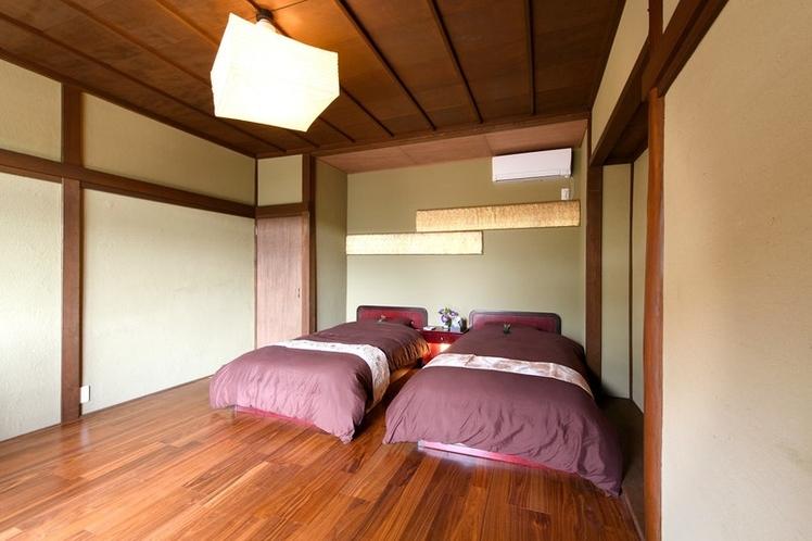 うふ 1F 寝室(シングルベッド2台)