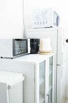 冷蔵庫&食器棚&炊飯器&レンジ&トースター&ケトル