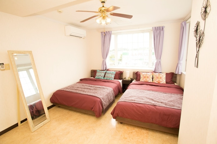 Bed Room: Double sized Bed×2, Folding single bed×2