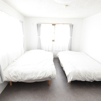 1階寝室101号室ベッド2台 2019/4/17現在