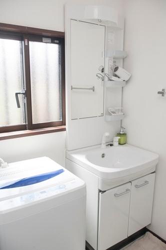 Wash Room 洗面所