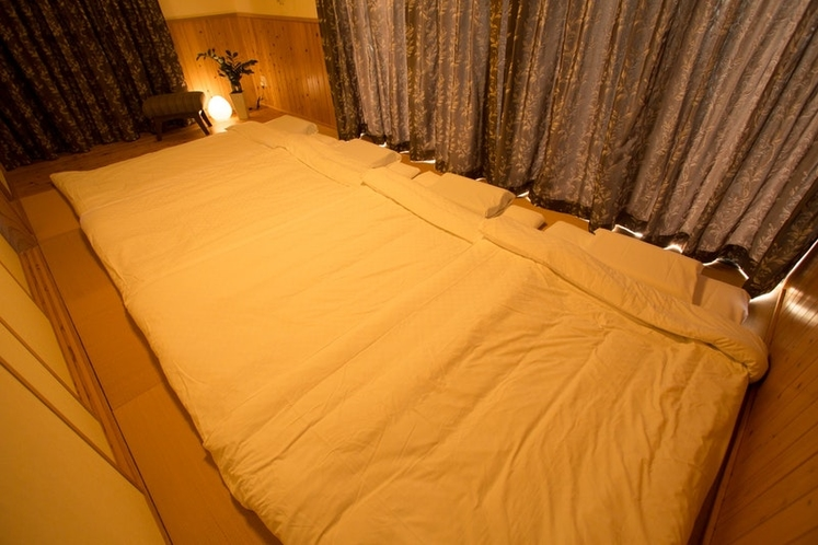 Bedroom 2 / 寝室 2