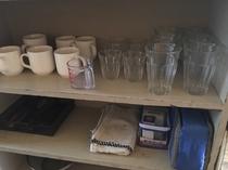 コップ、カップお皿など揃えております。