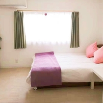 2階 寝室3 标准尺寸双人床