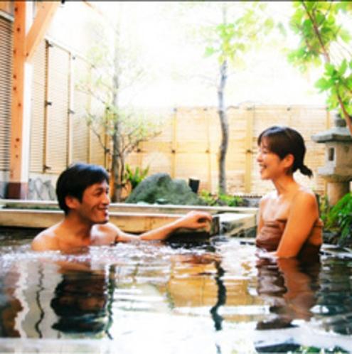 カップルでのご旅行には貸切風呂をご利用下さい。