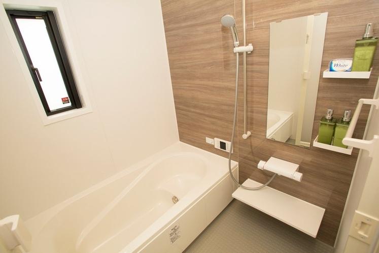 Bathroom / バスルーム