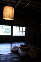 リビングルームの大きな窓からボーっと外を眺めるのも良し…!
