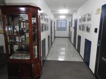 廊下(写真展示)