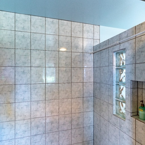 広いシャワー