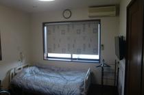 201号室 電動ベッド