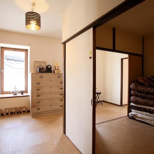 2階(3ベッドルーム+シャワー&トイレほか)