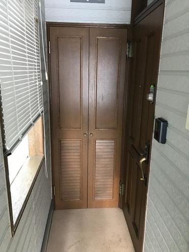 玄関横収納