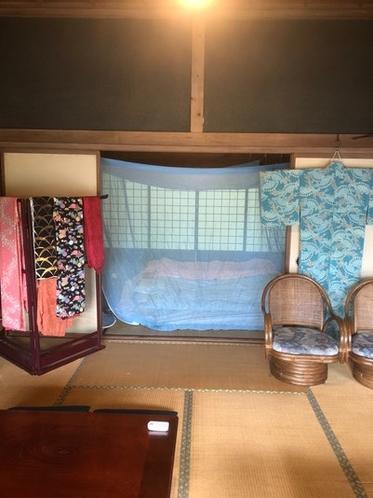古民家内寝室、蚊帳